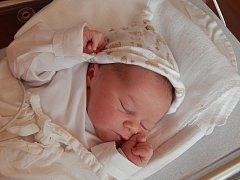 Tadeáš (3,28 kg, 51 cm) se narodil 21. února v 11:42 ve Fakultní nemocnici v Plzni. Na světě svého prvorozeného syna přivítali rodiče Štěpánka a Lukáš Černých z Dlouhé Louky.