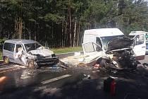 Nehoda tří aut nedaleko Chotíkova