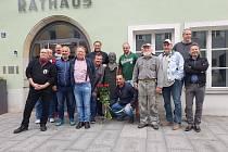 Do Vilshofenu jezdí 14 kamarádů pokládat květiny k radnici, u které se nachází sládkova busta.