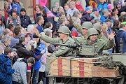 Slavnosti svobody začaly, na náměstí Republiky se konala historická rekonstrukce příjezdu americké armády.