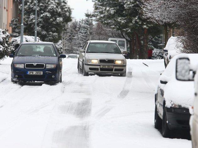 Čtvrteční sněhová nadílka v Plzni