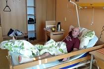 Plzeňský útočník absolvoval v roudnické nemocnici operaci kotníku
