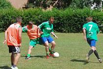 V duelu Klatov (v zeleném) a týmu Čižice LDN se z výhry 5:3 radovali domácí. V turnaji skončili na třetím místě.
