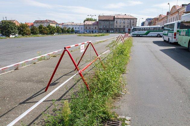 Místo, kde vyroste nové parkoviště pro veřejnost