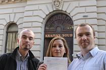 Žalobu, kterou se domáhají vyhlášení referenda o OC Corso, přinesli ke Krajskému soudu aktivisté.