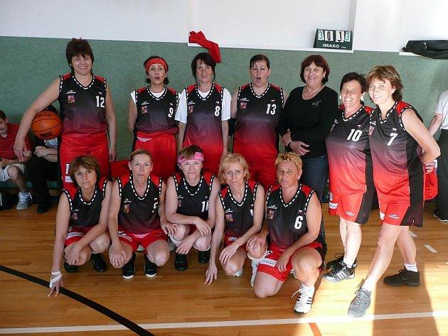 Na cestu na MS veteránek do Brazílie se vydal baskebalový tým žen z Plzně