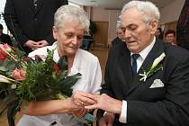 Manželé Desortovi oslavili zlatou svatbu.