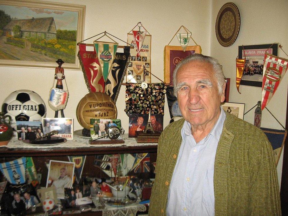 Jiří Ječný - z fotbalové kariéry zbyly vzpomínky a suvenýry