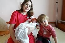 Terezka Šapovalová z Plzně se narodila ve FN 9. 4. v 0:31 rodičům Andree a Petrovi. Po příchodu na svět vážila sestřička Kačenky 3630 gramů