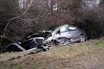 Ke střetu čtyř osobních aut došlo v úterý krátce po páté hodině odpoledne u odbočky na Radimovice.