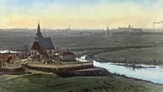 Kostel sv. Jiří z Pecihrádku kolem roku 1910.