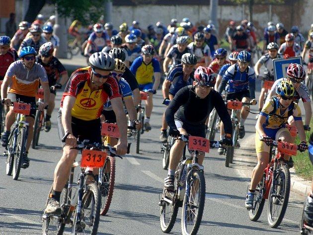Sešlo se mnoho závodníků a nadšenců.