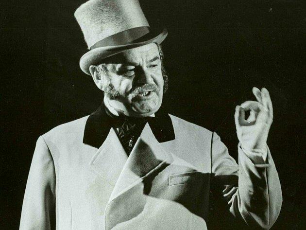 V jedné ze svých milovaných rolí v muzikálu My Fair Lady - postava plukovníka Pickeringa