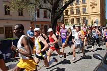 Do plzeňských ulic vyrazí v neděli stovky příznivců běhu, aby tu změřily síly při  třetím Plzeňském půlmaratonu