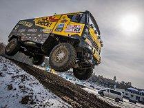 PRVNÍ TEST. Martin Macík poprvé po Dakaru trénoval. Se svým závodním strojem se proháněl v Sosnové.