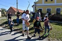 Velikonoční koledování v Raděticích.