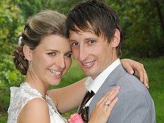 Markéta Jarolímková a Jaroslav Pavlásek si navlékli snubní prstýnky v pátek 26. července ve 14 hodin na louce v Bezděkově pod Třemšínem.