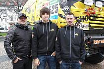 Martin Macík (uprostřed) se svým týmem.