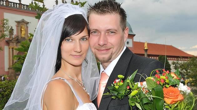V sobotu 31. července si řekli své ano v Příbrami na Svaté Hoře Simona Pelcnerová a Pavel Doležal. Obřad se konal v 11 hodin.