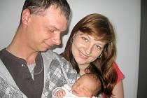 V pondělí 20. května maminka Naďa a tatínek Pavel z Podlesí poprvé sevřeli v náručí dcerku Terezku Dandovou, vážila 3,25 kg a měřila 50 cm. Hrát si s malou sestřičkou bude skoro tříletá Barborka.