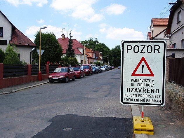 Uzavřené parkoviště ve Fibichově ulici v Příbrami