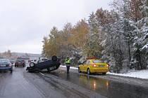 Nehoda u Voznice se naštěstí obešla bez zranění.