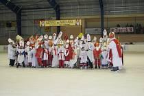 Sedlčanský pokus o vytvoření rekordu Nejvíc Mikulášů na bruslích.
