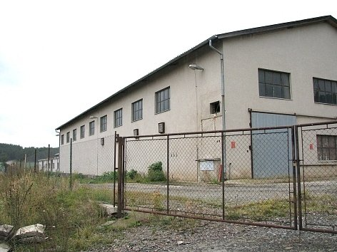 Sklad v Drážkově, odkud zmizelo 25 tun kovového odpadu.