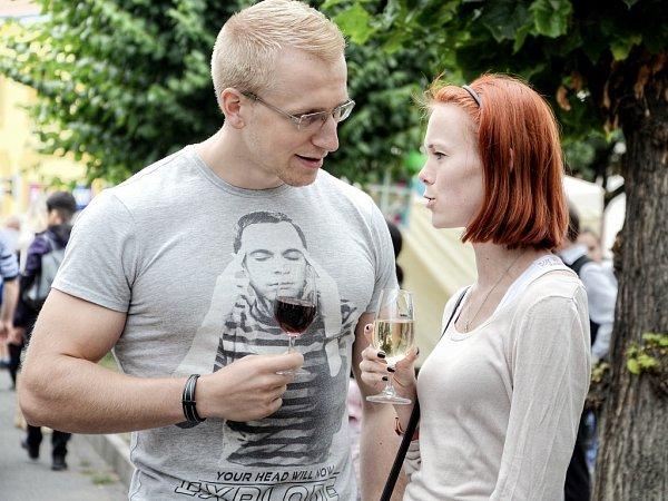 Lidé vDobříši ochutnali vína zdvaceti zemí světa.