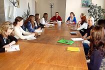 Řešit obtížné situace již od roku 2010 pomáhá mimo jiné Sociální poradna města, nově středisko pod Centrem sociálních a zdravotních služeb města Příbrami (CSZS), kde se občanům v nouzi dostane odborné rady a informace o odborné pomoci.