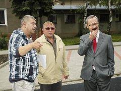 Přestavba ulice Bratří Čapků a okolních dvorů vyšla přibližně na třináct milionů korun.