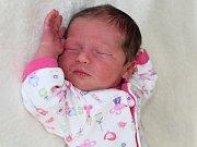 RODIČŮM Veronice a Janovi z Příbrami se v úterý 3. ledna narodila druhá dcerka Barborka Kinterová o váze 2,95 kg a míře 49 cm. Životem ji bude provázet dvouletá sestřička Adélka.