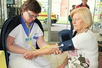 Osvětová akce v příbramské nemocnici k cévním mozkovým příhodám.