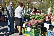 Farmářské trhy nabídky velikonoční atmosféru.