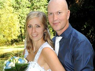 NA ZÁMEČKU ve Vysoké u Příbrami se v sobotu 10. září ve 14 hodin vydali na společnou cestu životem Jana Beranová a Jan Roub.