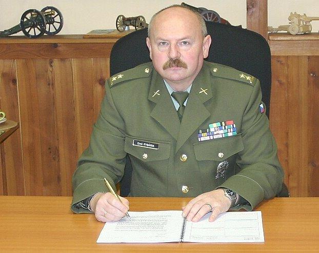 Přednosta újezdního úřadu podplukovník Emil Rybárik.