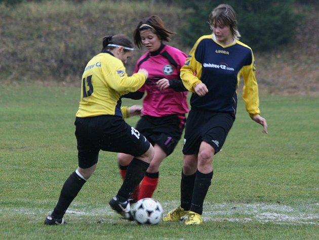 2. liga žen: Příbram - Rakovník (2:2).