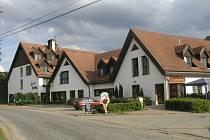 Hotel Siesta, když ještě fungoval. Od roku 2007 je uzavřený a postupně začíná chátrat.