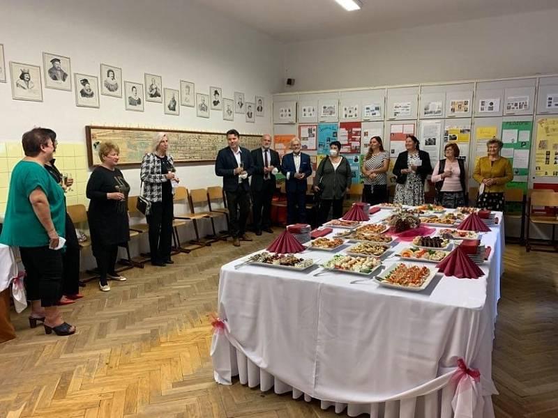 Z oslav 100. výročí Obchodní akademie a Vyšší oborná škola v Příbrami.