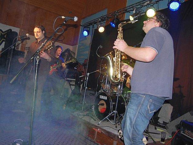 Příbramská kapela Vrch na rockové lize.