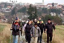 Klub českých turistů do Orlova vyrazil pěšky z Březových Hor.