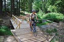 Cyklobus opět zahájí sezonu a cyklisté mohou vystoupit například v osadě Teslíny a vypravit se na kole do Brd.