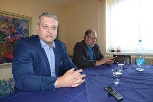 Nvým ředitelem sedlčanské nemocnice bude od 1. prosince Filip Zítko (vlevo).