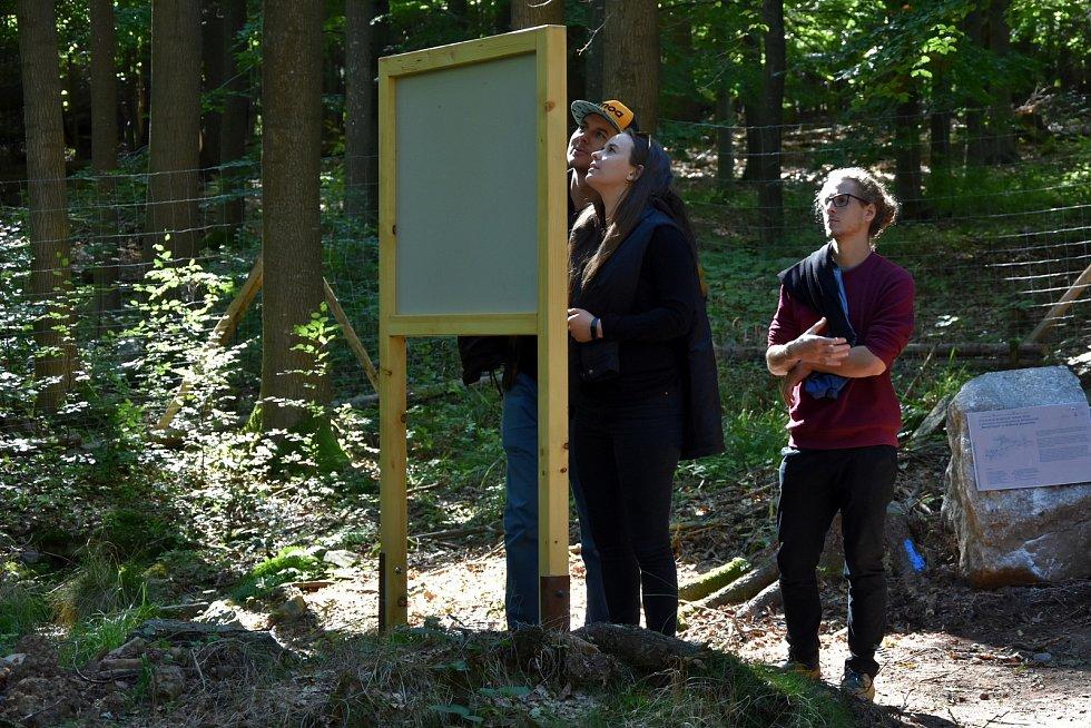 28. září 2018 byla pro veřejnost otevřena nová naučná stezka Klobouček v CHKO Brdy.