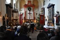 Vánoční Lukáš Hynek Krämer a spol. vystoupili v sobotu 22. prosince na posledním ze čtyř adventních koncertů, které si pro věrné posluchače připravil Zámek Příčovy.