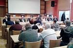 Jednání starostů, zástupců nemocnice, kraje, sociálních zařízení v Příbrami o poskytování sociálních služeb.