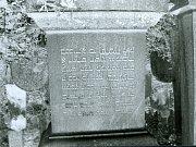 Židovský náhrobek v Kosově Hoře.