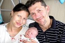 Ve čtvrtek 6. února maminka Štěpánka a tatínek Karel ze Smolotel poprvé sevřeli v náručí dcerku Zuzanku Šímovou, vážila 3,98 kg a měřila 50 cm. Radost z malé sestřičky mají Karinka a Michalka.