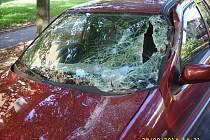 Poškozený vůz.