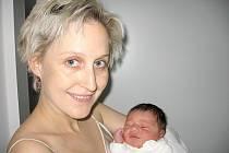 V neděli 6. ledna maminka Lucie a tatínek Michal z Příbrami přivítali na světě svého prvorozeného syna Rafaela Širmera, který v ten den vážil 3,81 kg a měřil 50 cm.